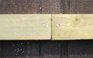 Batten joints and nails should aim for the centre of the rafter.